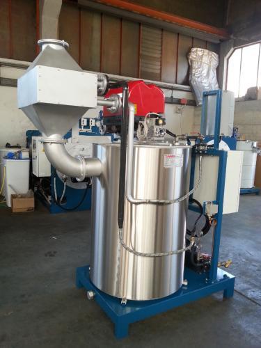 Generatore di vapore abbonato ad un economizzatore
