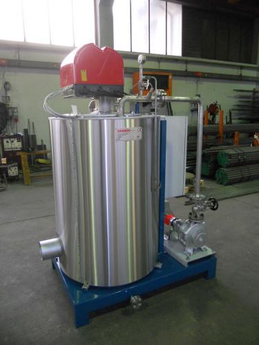 Particolare collegamento pompa con ingresso olio diatermico in caldaia
